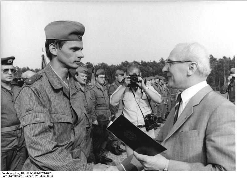Uniformes des forces armées polonaises (régime communiste) Index